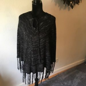 Love Tree black/silver poncho one size fits all